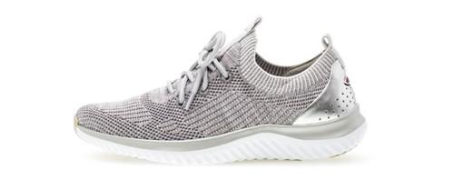 on sale bfb9b f007f Neue Schuhe mit großen Stärken: Gabor Sneaker > Frauen ...